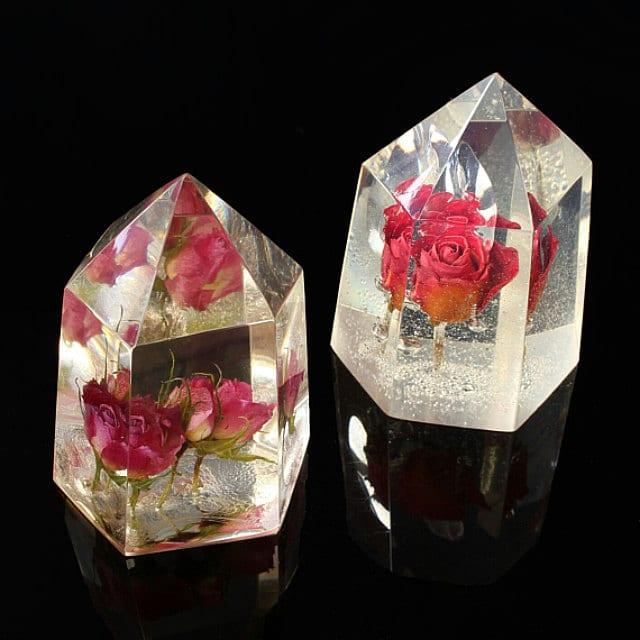 ¿Cómo hacer un cristal con una flor real en su interior?