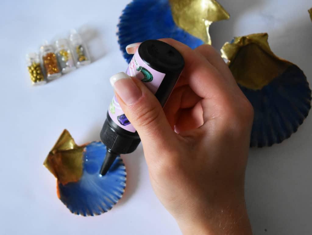 Decoramos una concha con resina UV